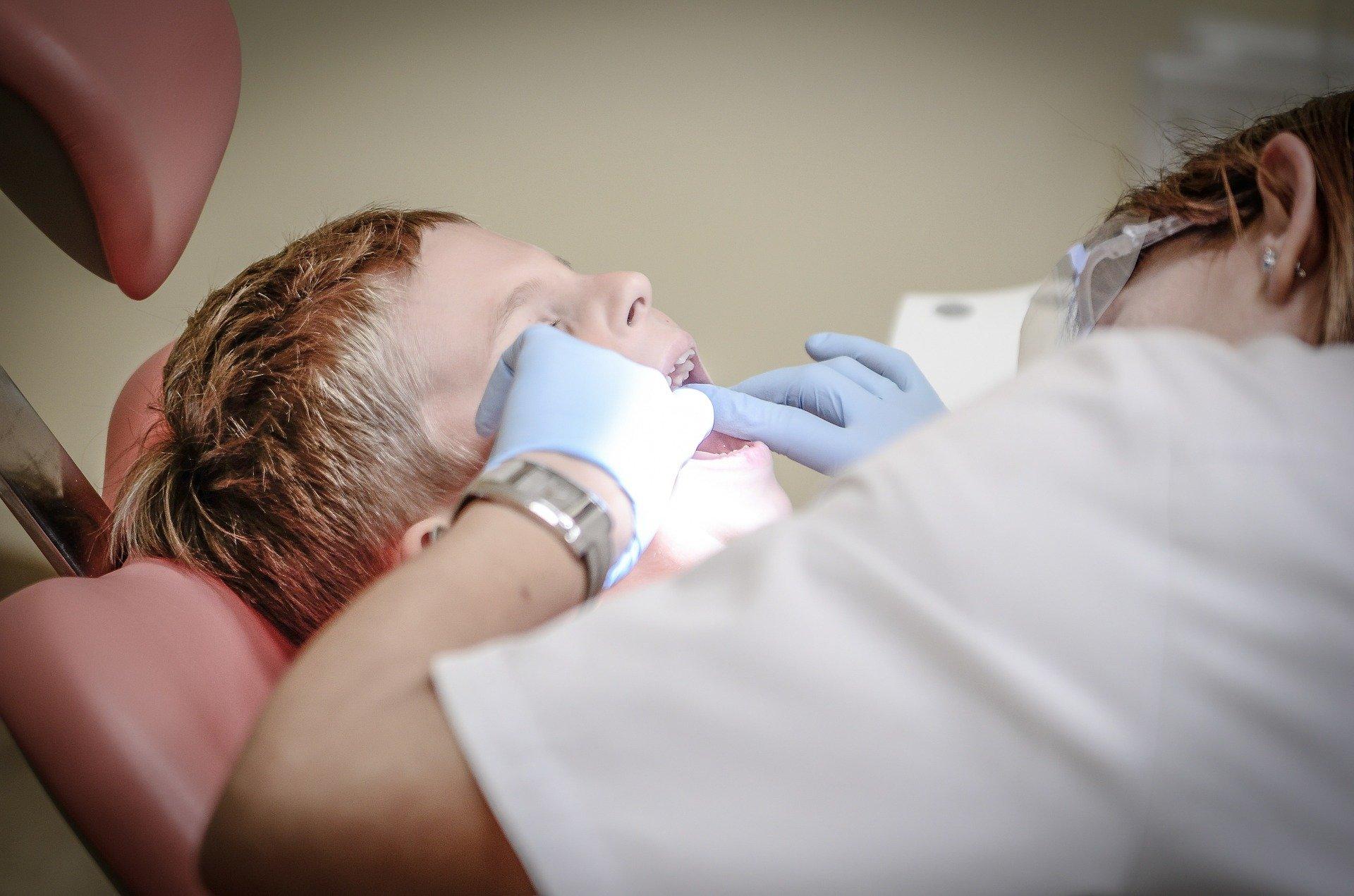 Appareil dentaire à ultrasons : ce qu'il faut savoir